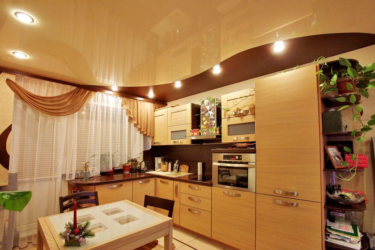 Дизайн натяжных потолков кухни фото