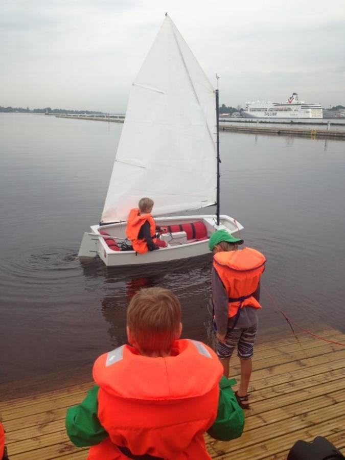 Открыт детский яхт-клуб в Риге на причале у Кипсалы
