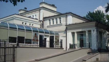 Россияне выкупили в центре Риги развлекательный центр.