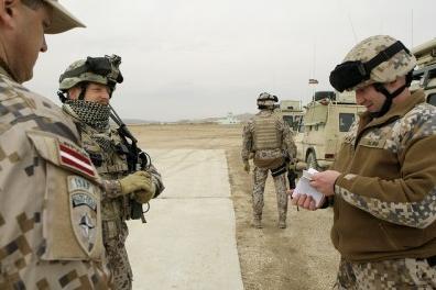 Латвия отправит двух солдат в Мали, несмотря на то, что общество против этого.