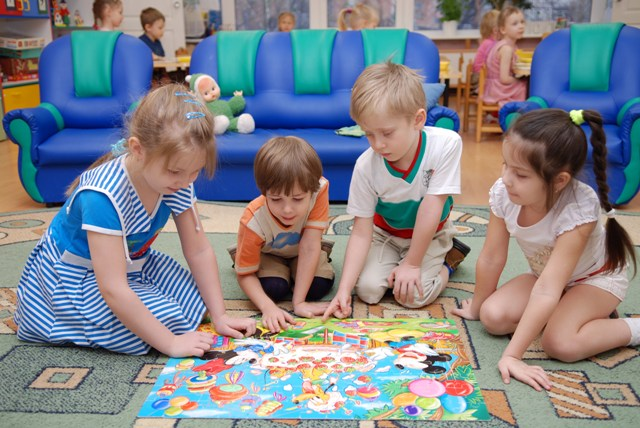 В Риге выделят дополнительные средства на места в детских садах.