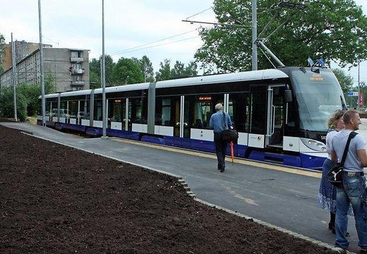 Трамвай 6-ого маршрута сошёл с рельс в Риге на перекрёстке Барона и Радио