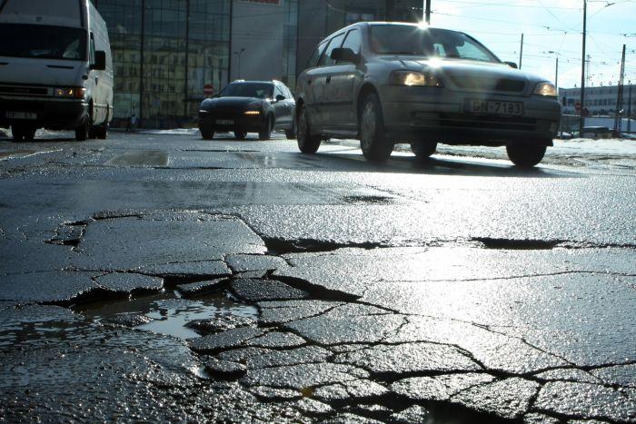 Мэр Риги Нил Ушаков обсудит проблемы и ремонт дорог на собрании