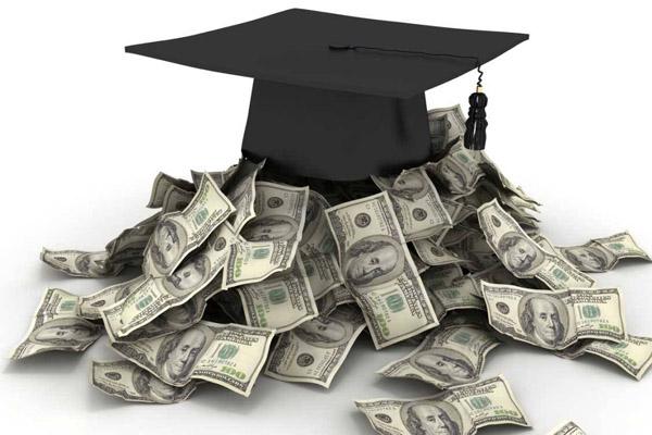 Студенты стали реже брать кредиты на обучение