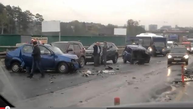 Видео: авария на Новой Риге