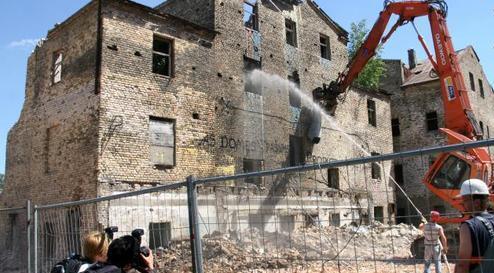 Рижская Дума ведет борьбу с развалинами