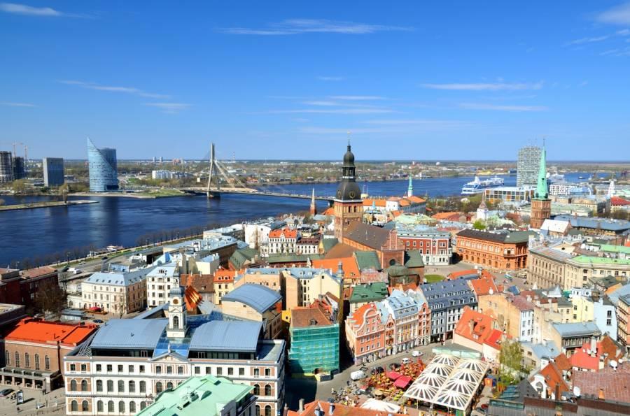 Россияне по прежнему путешествуют в Латвию