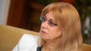 Если правительство не найдет деньги на зарплаты учителям, то Ина Друвиете не исключает своей отставки