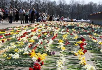 Лиана Ланга призывает запретить русский марш на 9 мая в Риге