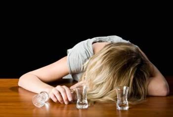 Алкоголь является основной причиной смертей 770 человек в Латвии