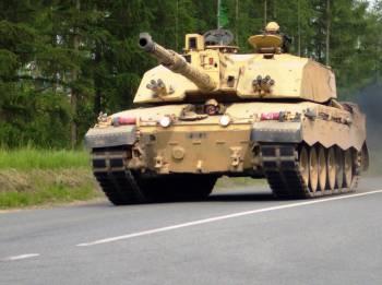 Фото к новости По Риге шагает армия НАТО. Зачем?