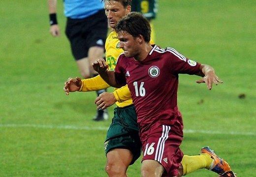 Футбол: Латвия уступила Литве в Вильнюсе