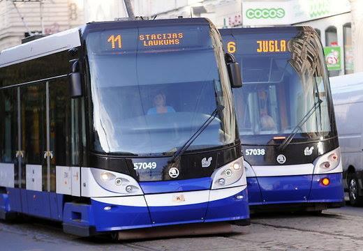 Рижская дума одобрила новые тарифы на проезд в общественном транспорте Риги