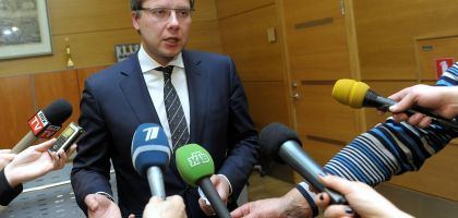 Решение премьера Валдиса Домбровскиса было неправильным.