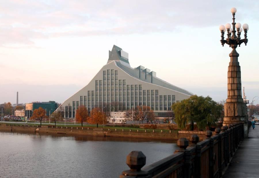 Латвийская библиотека переехала в