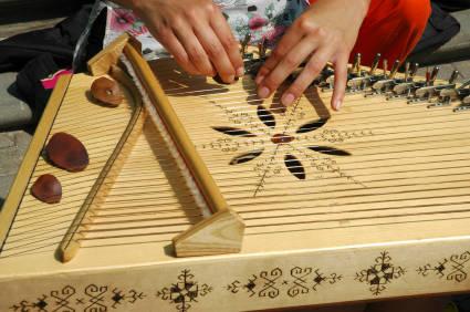 Кокле - латышский струнный щипковый народный музыкальный инструмент