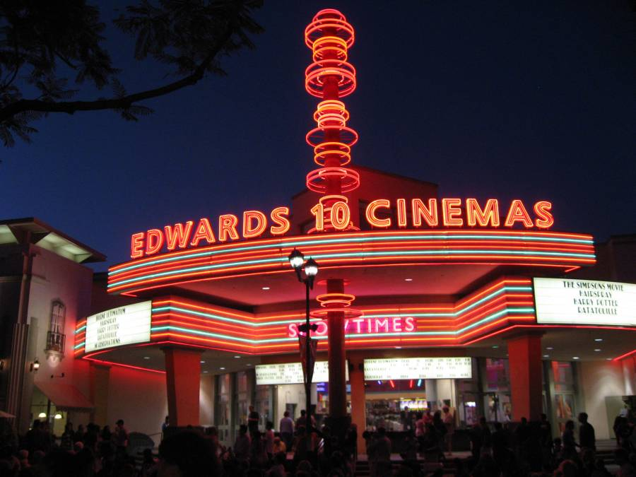 Нюансы постройки кинотеатра