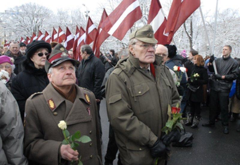 Жители Риги планируют собраться возле Памятника Свободы